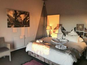 Black Mussel Room Interior